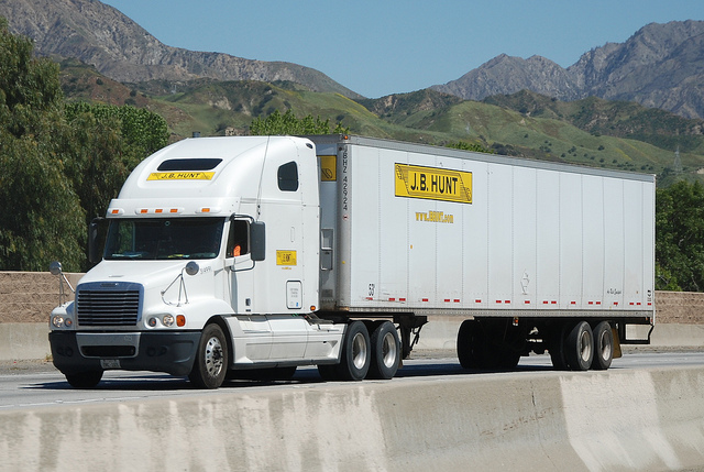 Top 10 Biggest Trucking Companies in USA