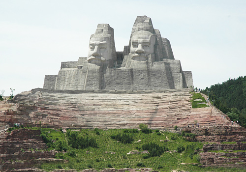 Top 10 Most Tallest Statues In The World Emperors Yan and Huang is at no 5