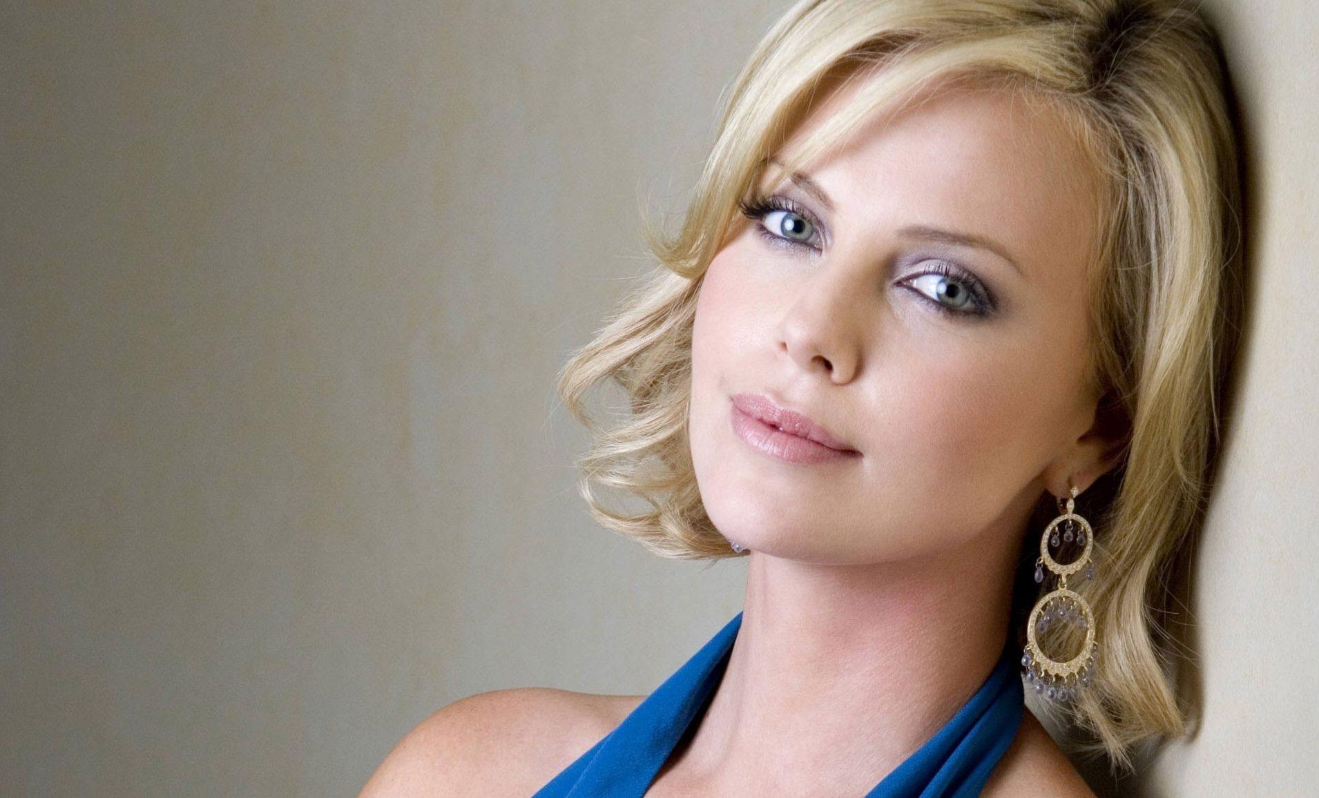 Hot Hollywood Actress