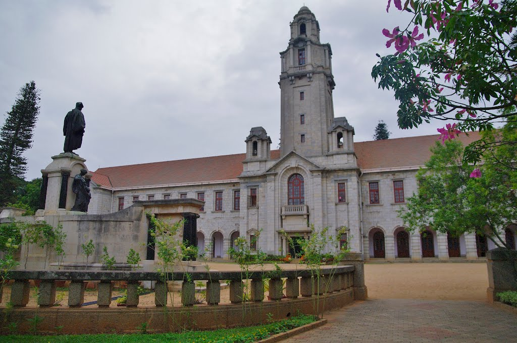 top universities in india for commerce