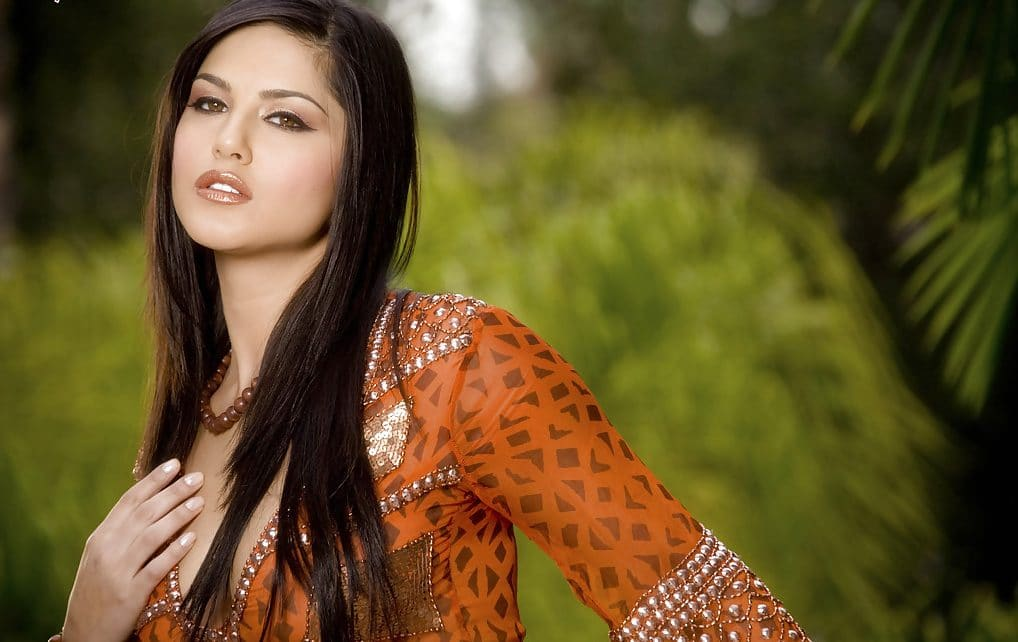 top 10 beautiful sunny leone photos