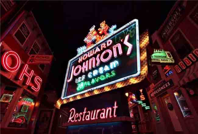 Top 10 Most Iconic Neon Light Signs And Displays
