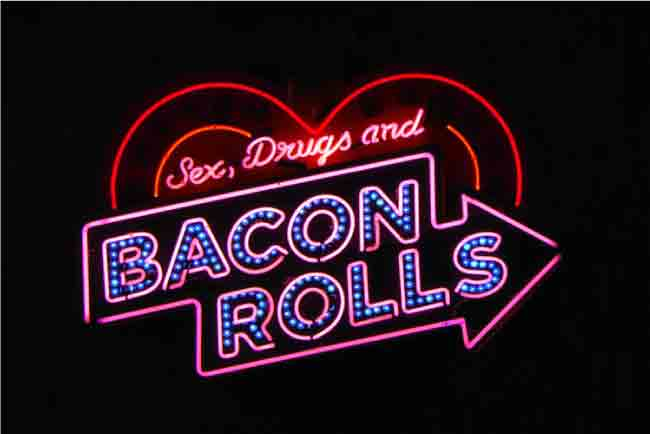 Top 10 Most Iconic Neon Light Signs And Displays In The World