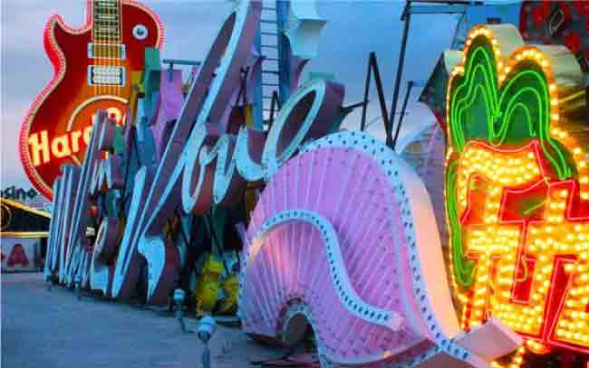 Top 10 Most Iconic Neon Light Signs