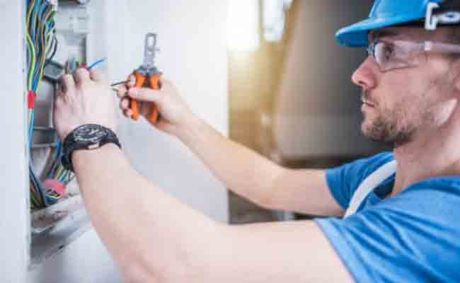 Advantages Of Hiring An Electrician